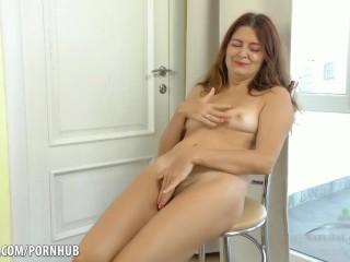big boobs on tiny girls
