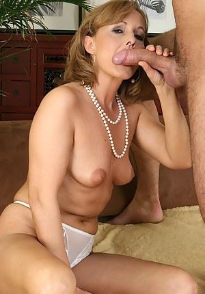 ameuteur girlfriend blowjobs