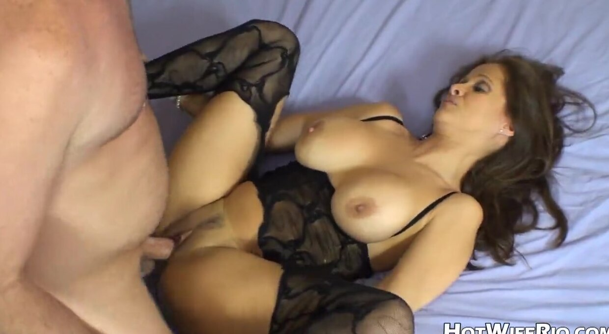 busty girls making out