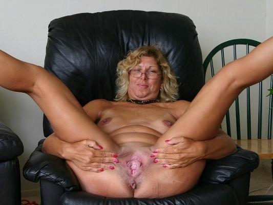 pantyhose aunt