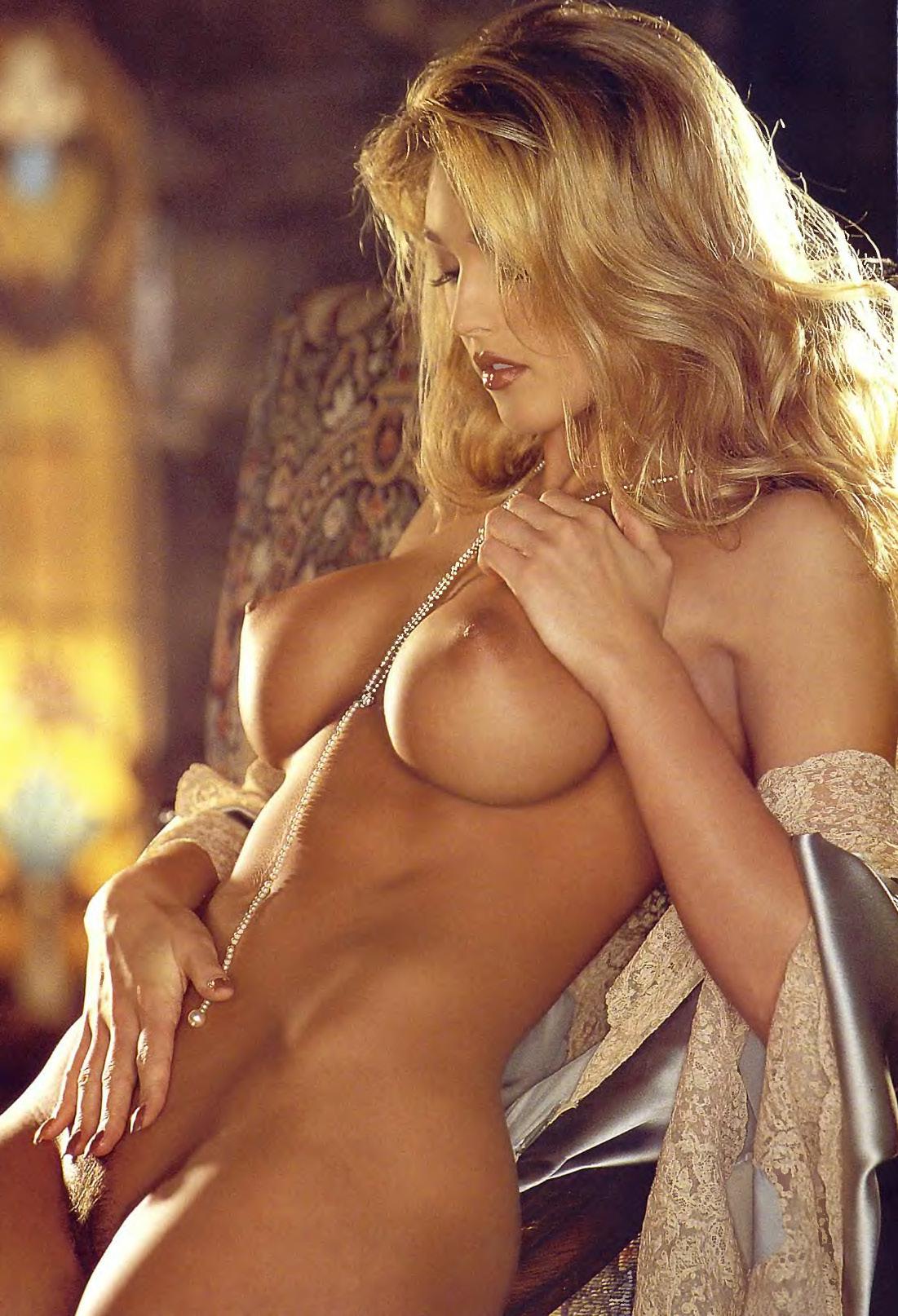 adonna ebony nude model